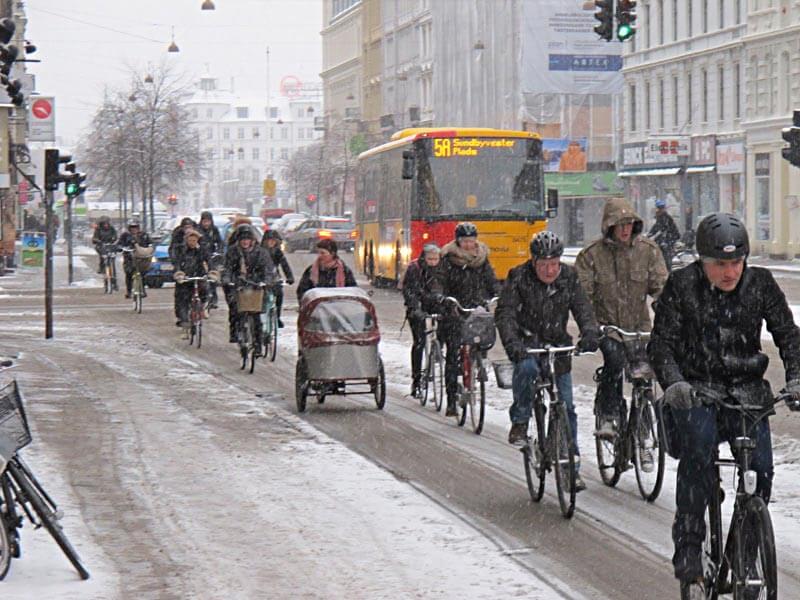 Kopenhag'da bisiklet trafiği araba trafiğini yendi