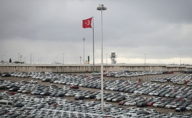 'OTOMOTİV DÜŞÜŞE RAĞMEN İHRACATTA LİDER'