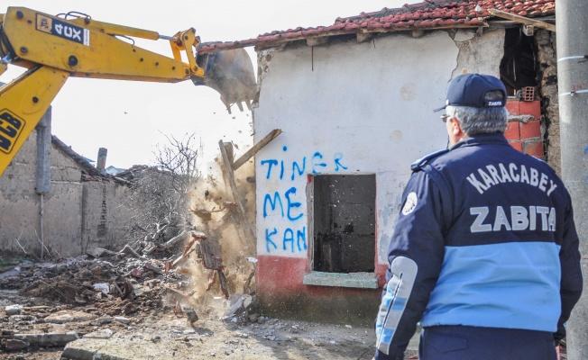 Karacabey Belediyesi'nden metruk binalarla mücadelede