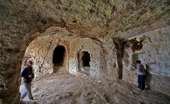 Mağara cami restore edilmeyi bekliyor