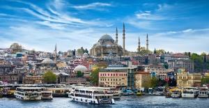 """Çizmeci """"Turizm sektörü nitelikli turiste yönelmeli"""""""