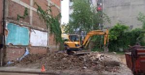 Tehlike Arz Eden Metruk Bina Yıkıldı