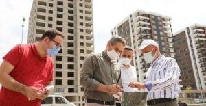 Başkanı Çolakbayrakdar, kentsel dönüşüm çalışmalarına yerinde baktı