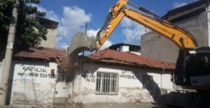 Osmangazide Metruk Bina Temizliği